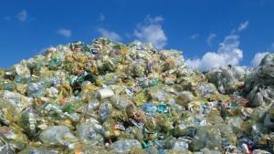 23 Plastika aporrimata